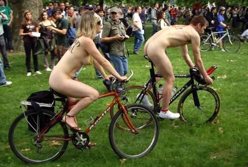 英国美女裸体赛单车 华商网